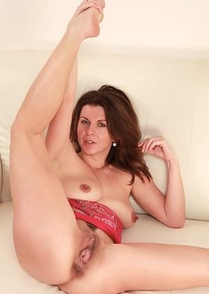 milf spreading - milf porn pictures