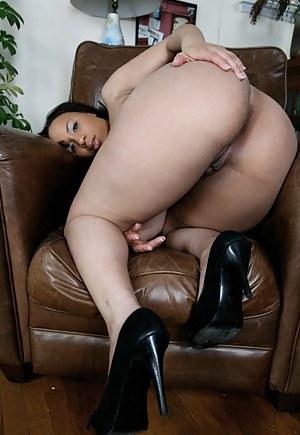 Big Ass Milfs - Black MILF Big Ass - Milf Porn Pictures