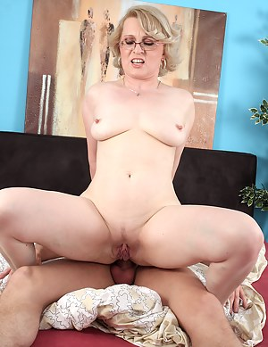 MILF Cowgirl Porn Pictures